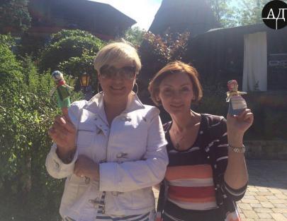 Личные фотографии Рожковой и Гонтаревой